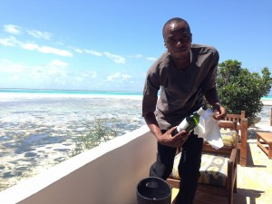 アフリカの風に吹かれながらワインは最高