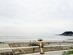 夏を待つ由比ヶ浜