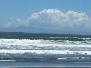 サイズアップした湘南の波