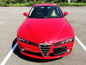 アルファロメオやフィアットなどのイタリア車を高く売るなら、やっぱり輸入車なら圧倒的な買取査定を提示する湘南の車買取りハッピーカーズへお任せください