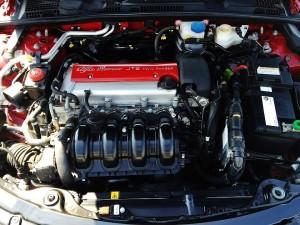 アルファの2.2L直噴エンジンは6速のせれスピードとも相まって普通じゃない感満点です!