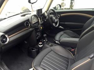 BMW MINIの買取り価格は湘南でトップクラスの自信があります!15分以内のスピード査定で査定額を一発提示できるのはハッピーカーズだけ、かも、、