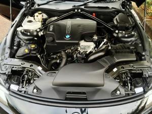 BMW Z4 2Lのツインターボエンジンは軽量でパワフル