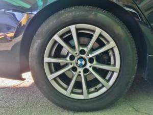 BMW320純正の16インチタイヤ 205/60/R16