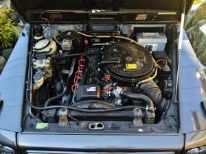メルセデス・ベンツ ゲレンデヴァーゲン300GEのきっちりと整備された直6SOHCエンジン