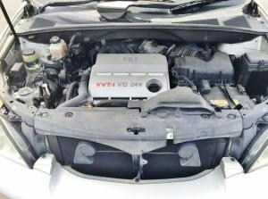 エンジンはもちろん人気のV6 VVT-i