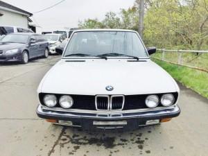 E28型BMWの特徴的な顔、これぞBMW
