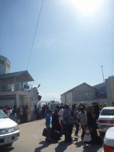 とにかくザンジバルでは送迎用タクシーとしても大人気のタウンエースノア