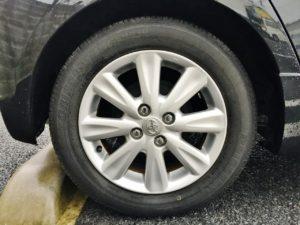 トヨタ ヴィッツRSの15インチの純正アルミホイルも高額査定ポイントです