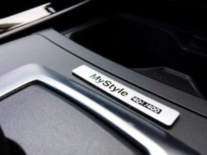 BMW118i MYSTYLEの専用インテリア・バッジ(シリアル・ナンバー入り)