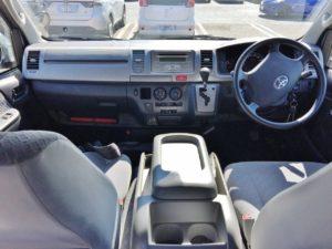 今日の買取車ハイエース スーパーGLの内装