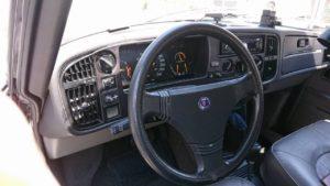 古き良きSAAB900の内装