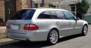W211ベンツE350なら左ハンドルはちょっと中古車相場は高めです